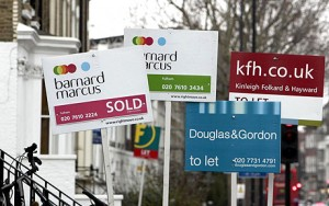Stamp duty doubles for first-time buyers...File photo dated 19/02/2007 of For Sale signs outside houses in Fulham, London. PRESS ASSOCIATION Photo. Issue date: Sunday March 9, 2008. The average stamp duty bill faced by first-time buyers has nearly doubled during the past five years figures showed today. People taking their first step on to the property ladder paid average stamp duty of 1,751 in 2007, 82% more than the 960 they paid in 2002, according to Britain's biggest mortgage lender Halifax. See PA story MONEY Stamp. Photo credit should read: Andrew Parsons/PA Wire